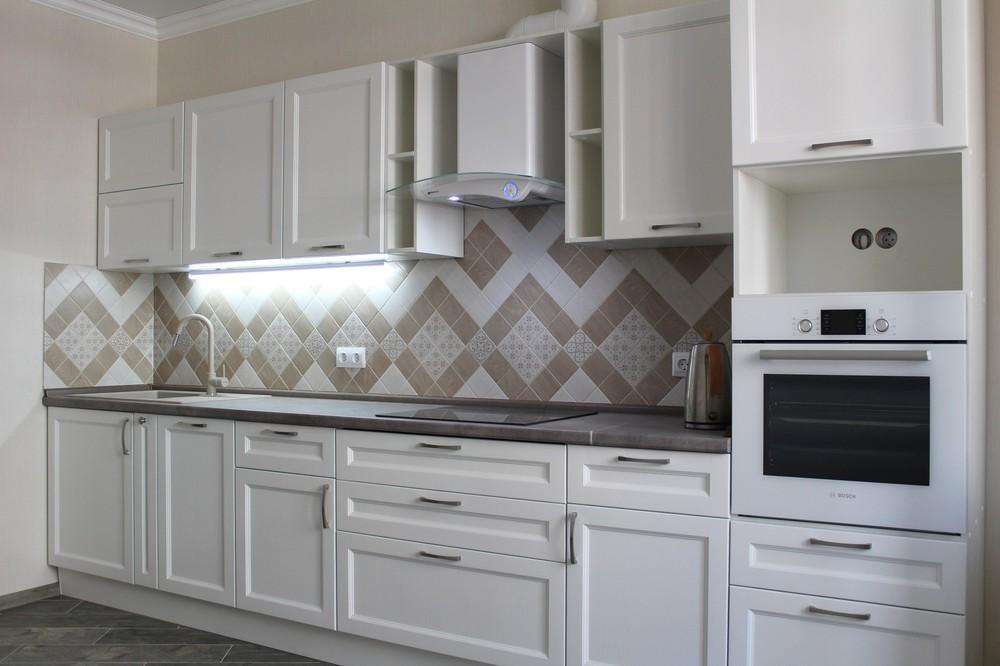 Белый кухонный гарнитур-Кухня МДФ в ПВХ «Модель 294»-фото1