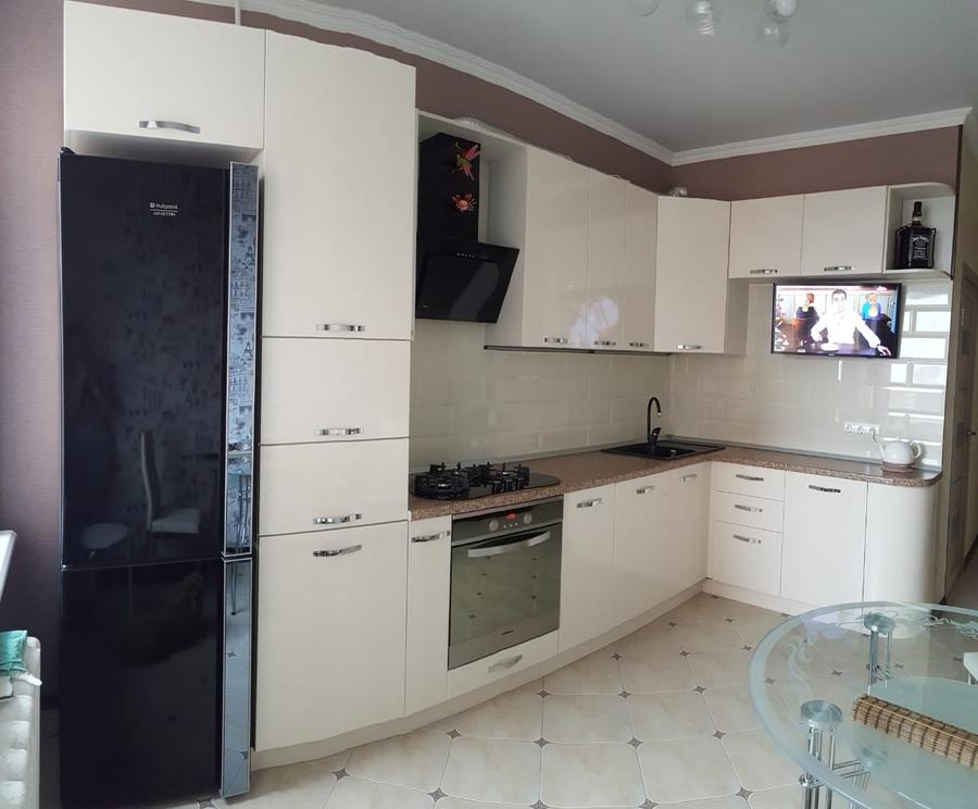 Белый кухонный гарнитур-Кухня из пластика «Модель 377»-фото1